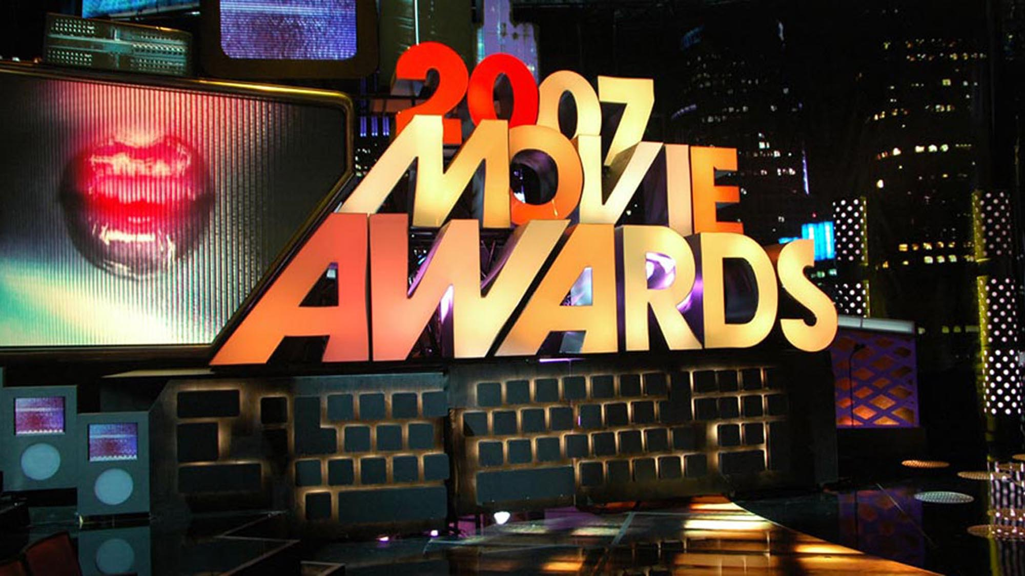 Movie-Awards_07_01-smsized