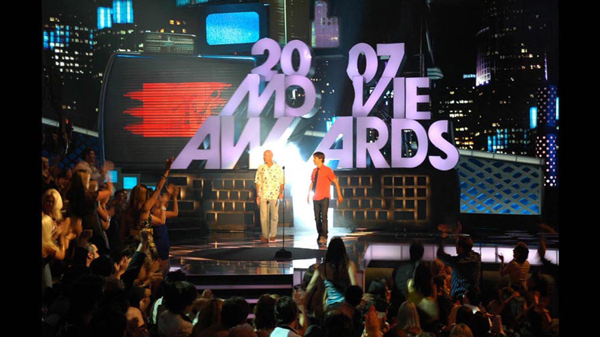 Movie-Awards_07-04-smsized